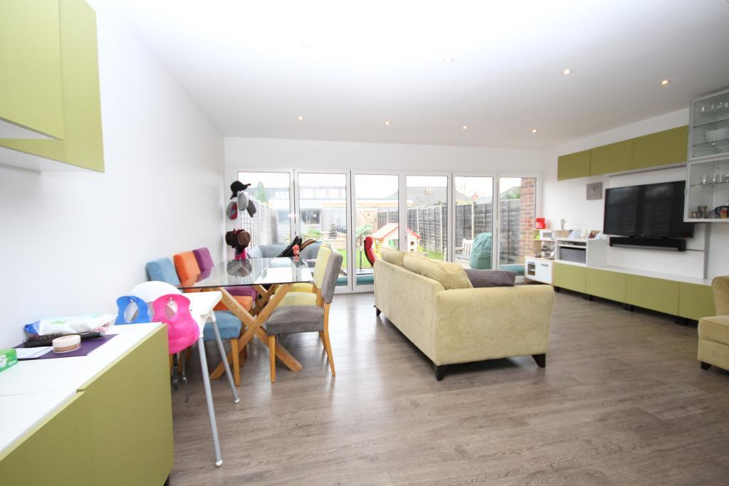 Maytree Close, edgware, HA8 8XX