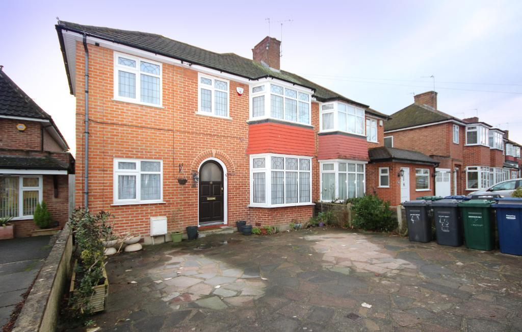 Bullescroft Road, edgware, Middlesex, ha8 8RS