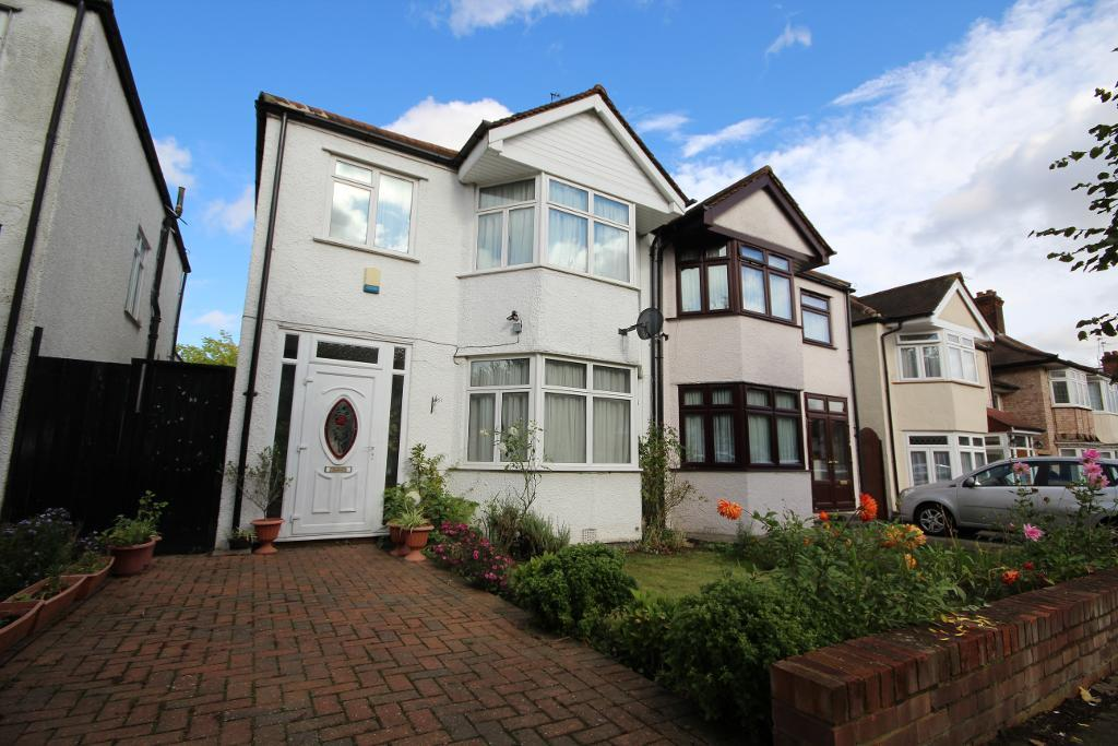 Fairfield Avenue, edgware, Middlesex, ha8 9ag