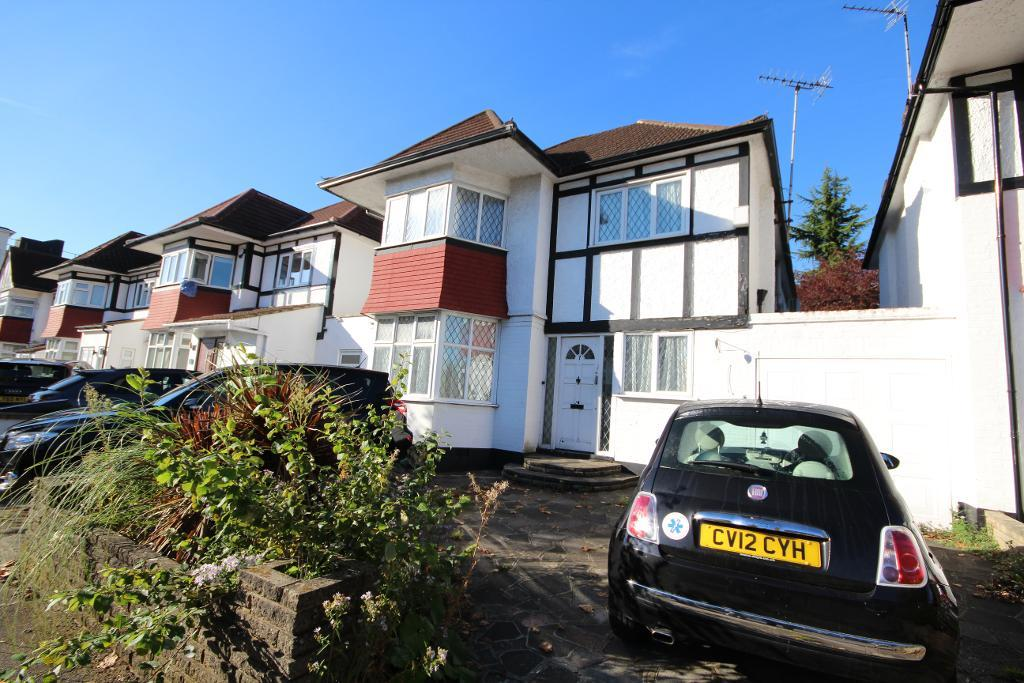 Hillcrest Avenue, Edgware, Middlesex, HA8 8NZ