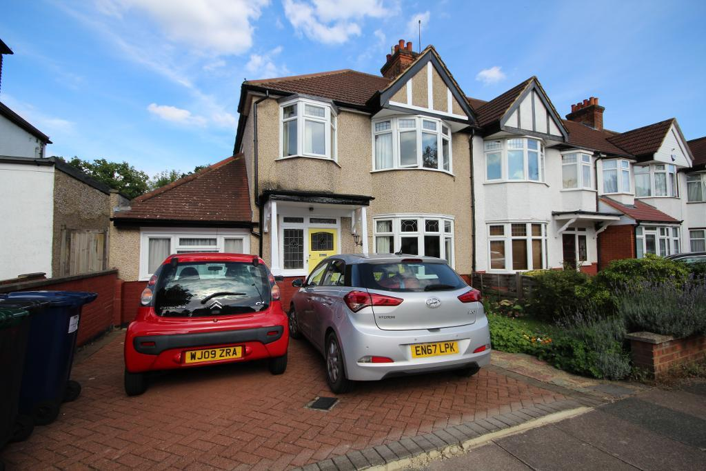Fairfield Crescent, Edgware, Middlesex, HA8 9AF