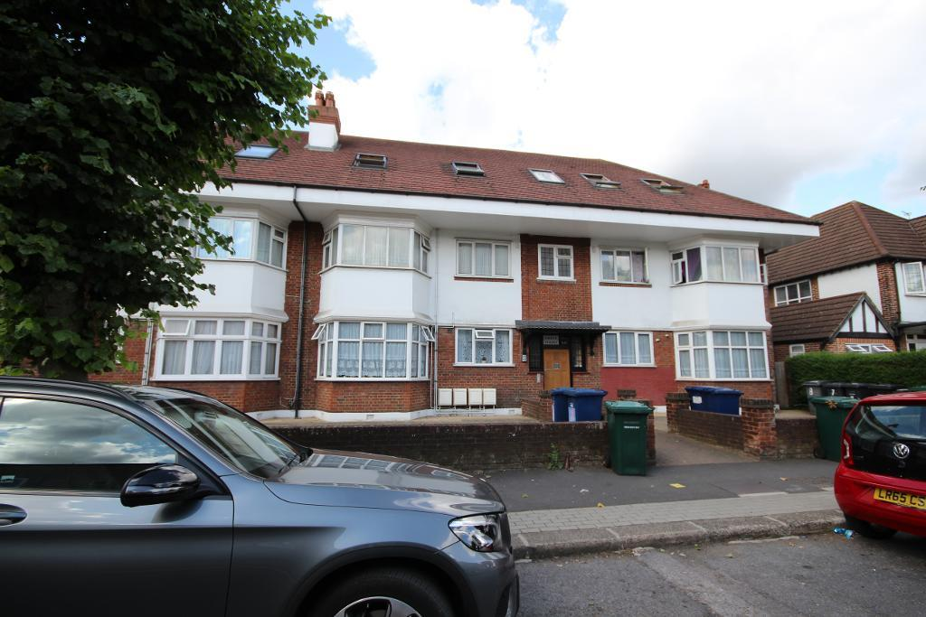 The Drive, Edgware, Middlesex, HA8 8PP